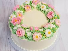buttercream wreath top